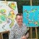 Philip Coucke bij zijn kunstwerken aan het werk